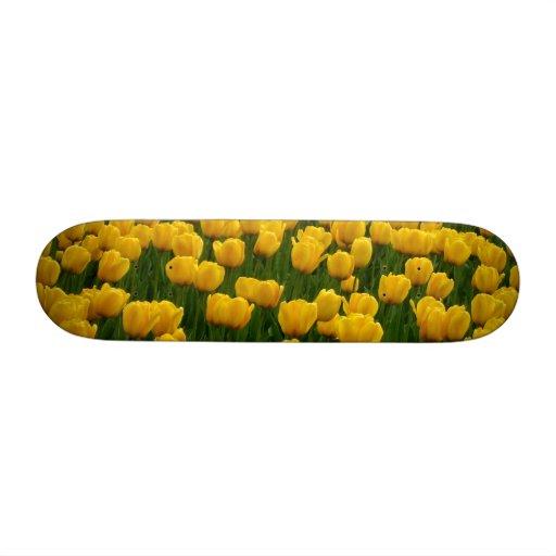 Tulips 2 Skateboard