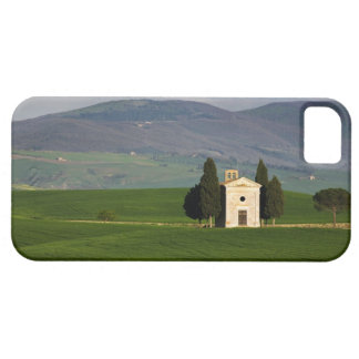 Tuscany, Italy, Val d'Orcia, Pienza, Chapel of iPhone 5 Covers