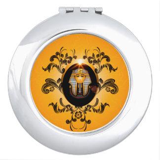 Tutankhamun, the agyptische pharaoh mirror for makeup