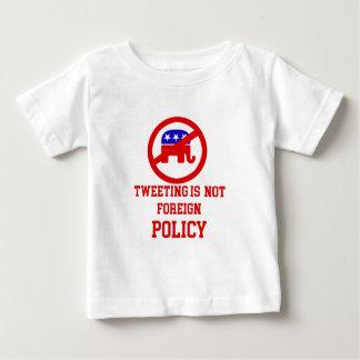 tweeting design baby T-Shirt