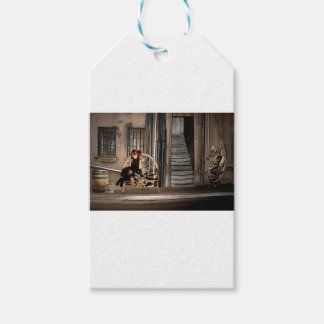 TWILIGHT ALLEY GIFT TAGS