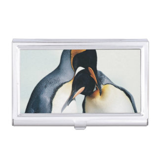 Two affectionate penguins case for business cards