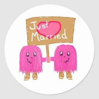 Two Pink Just Married Classic Round Sticker