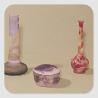 Two vases and a bonbonniere, 19th-20th century square sticker