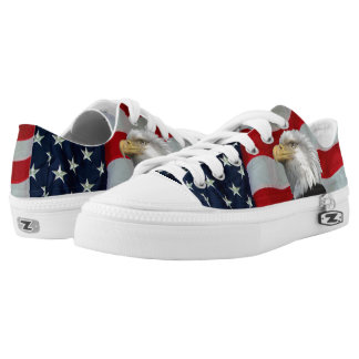 U S FLAG WITH BALD EAGLE Low-Top SNEAKERS