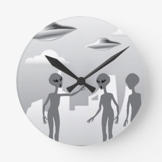 UFO in the sky Aliens On the ground Round Clock