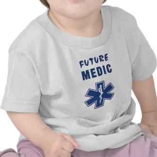 Un futur médecin t-shirt