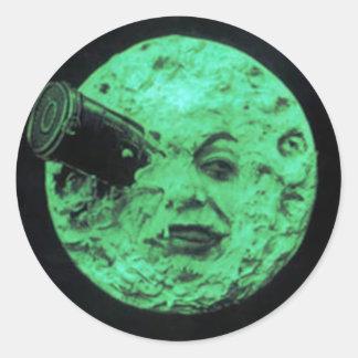Un voyage à la lune sticker rond