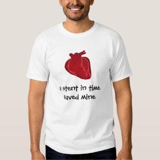une armature intra-artérielle à temps tee-shirts