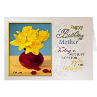 Une carte d'anniversaire pour la mère. Jonquilles
