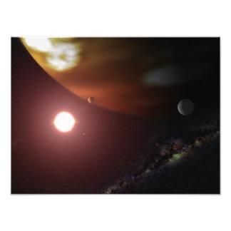 Une planète de géant de gaz satellisant une étoile photos d'art
