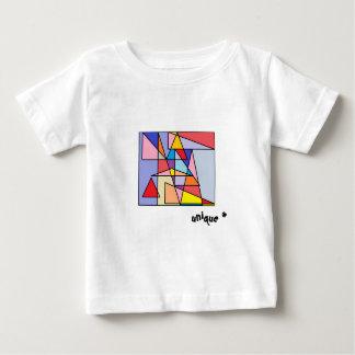 Unique triangles colourful t-shirt