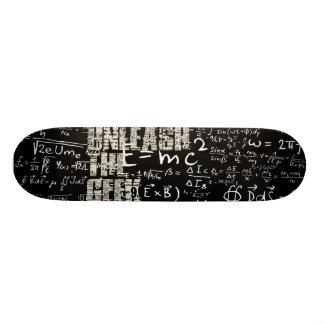 Unleash the Geek Skateboard