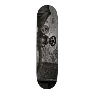 urbex 515 black and white custom skateboard