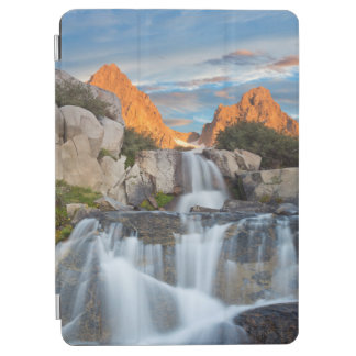 USA, California, Inyo National Forest 2 iPad Air Cover
