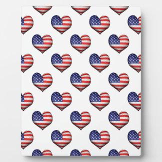 Usa Grunge Heart Shaped Flag Pattern Plaque