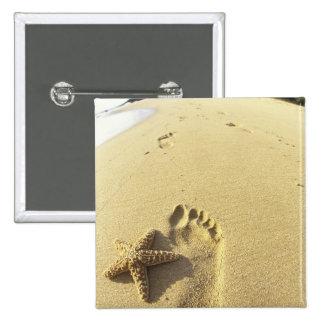 USA, Hawaii, Maui, Makena Beach, Footprint and 2 Inch Square Button