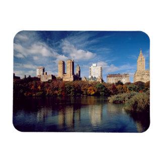 USA, New York City, Central Park, Lake Magnet