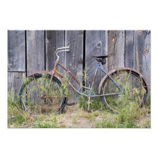 USA, Oregon, Bend. A dilapidated old bike Photo