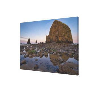 USA, Oregon, Clatsop County, Haystack Rock Canvas Print