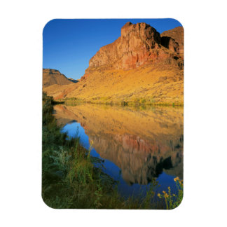 USA, Oregon, Owyhee River Canyon Magnet