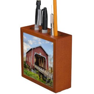 USA, Oregon, Scio, Shimanek Bridge Pencil Holder