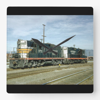 USA, Southern Pacific EMD_Trains of the World Square Wall Clock