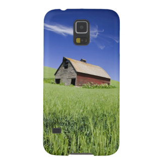 USA, Washington, Old Red Barn in the Spring Galaxy S5 Case