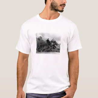 USS Arizona Burning In Pearl Harbor T-Shirt