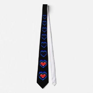 Valentine heureux dans la cravate française