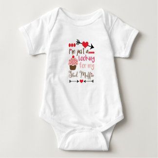 Valentine's Cupcake Looking for Stud Muffin Baby Bodysuit