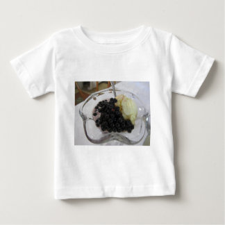 Vanilla ice cream with uncultivated bilberries baby T-Shirt