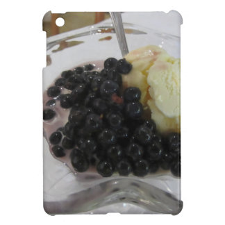 Vanilla ice cream with uncultivated bilberries iPad mini cover