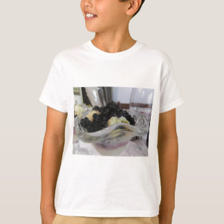 Vanilla ice cream with uncultivated bilberries T-Shirt
