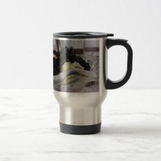Vanilla ice cream with uncultivated bilberries travel mug