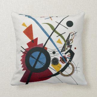 Vasily Kandinsky Violett Throw Pillow