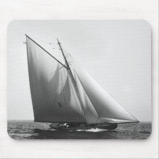 Vencedor : 1897 tapis de souris