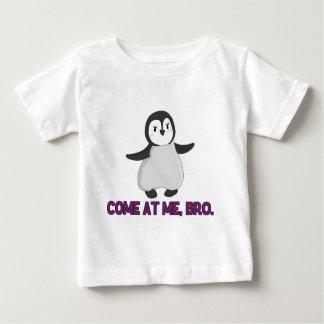 Venez à moi, pingouin de Bro Tee-shirts