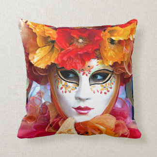 Venice Italy: Woman´s Venetian carnival mask, Throw Pillow