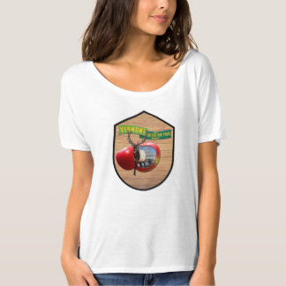 Vermont - Elk stepping out of Vermont apple T-Shirt