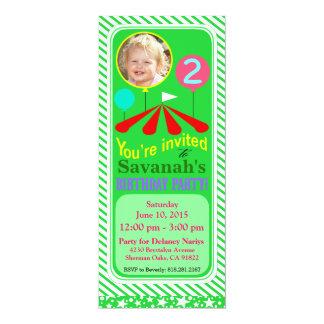 Vert de la fête d'anniversaire d'amusement de carton d'invitation  10,16 cm x 23,49 cm