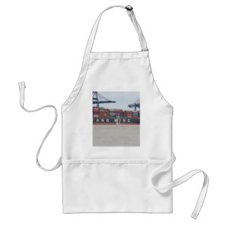 Very Small Yacht Very Large Ship! Apron