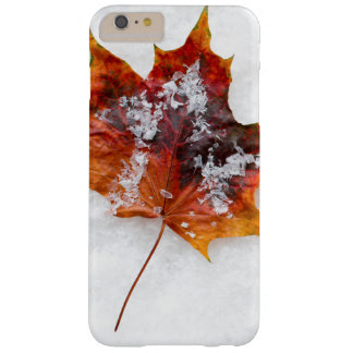 Vibrant Leaf in the Snow iPhone 6/6s Plus Case