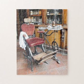 VICTORIAN ENGLAND JIGSAW PUZZLE
