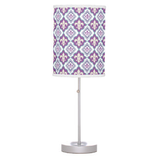 Victorian Fleur de Lis Pattern Table Lamp
