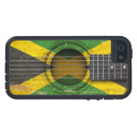 Vieille guitare acoustique avec le drapeau jamaïca