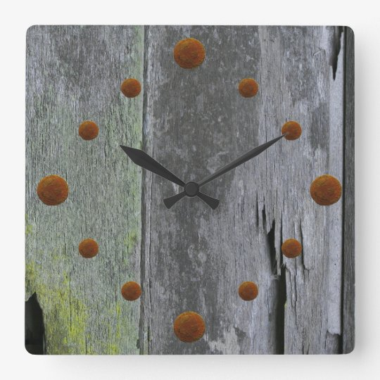 vieille horloge murale en bois de grange. Black Bedroom Furniture Sets. Home Design Ideas