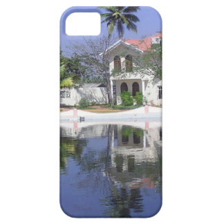 View of cottages and lagoon water in Alleppey iPhone 5/5S Cover