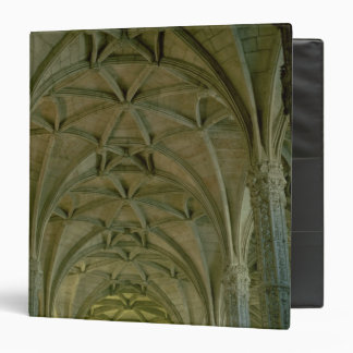 View of the central nave vinyl binders