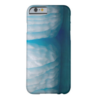 Viewing icebergs in blue in the Errera Channel Barely There iPhone 6 Case